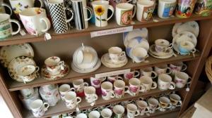 Teacup shelf