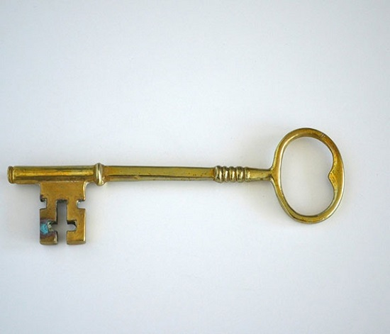 Ooo what a lovely old key! I wonder what lock it opens?